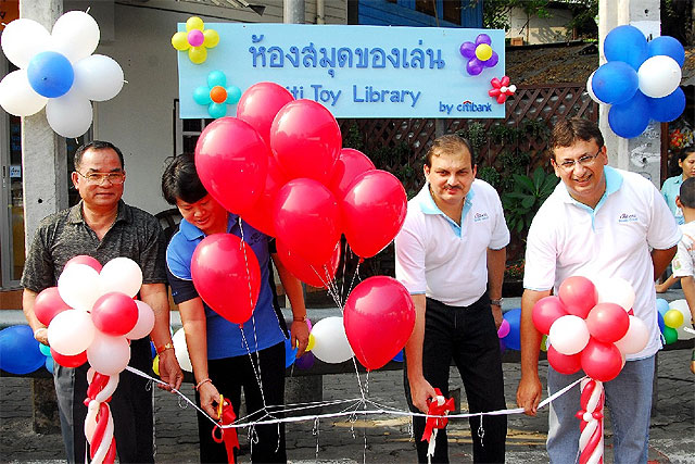 Thailand: Citi Toy Library Benefits Children & Families in Chua